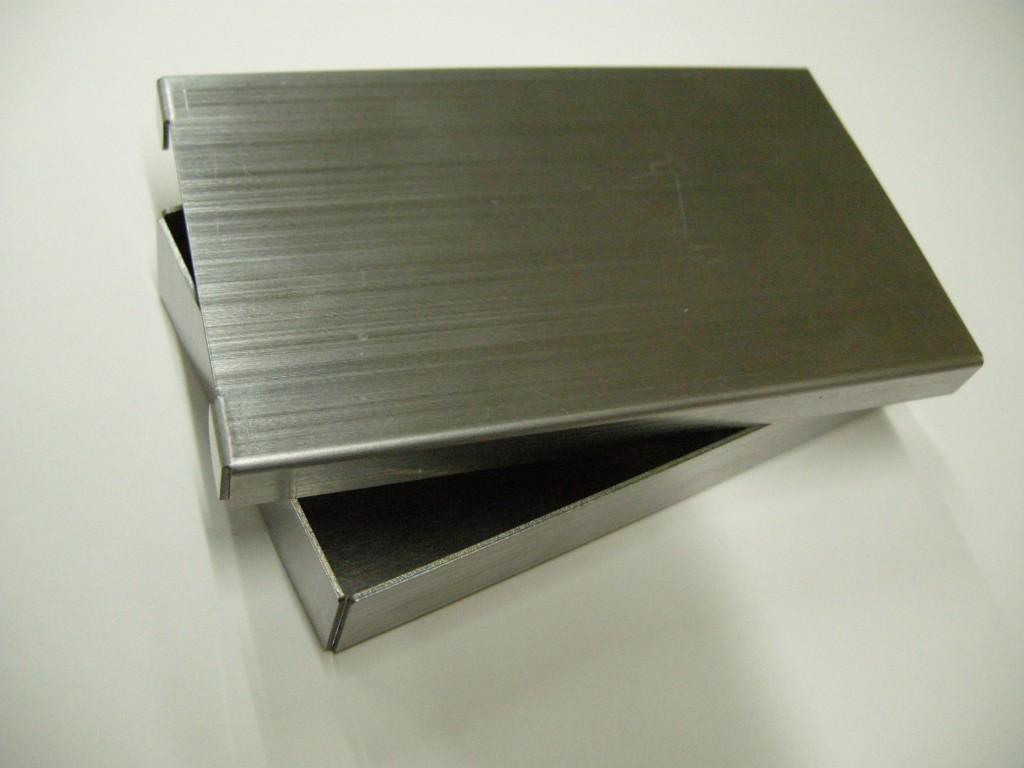 板金加工の箱